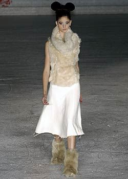 A.F. Vandevorst Fall 2005 Ready-to-Wear Collections 0001