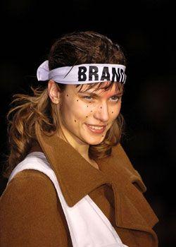 Vivienne Westwood Fall 2005 Ready-to-Wear Detail 0001