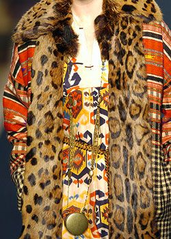 Isabel Marant Fall 2005 Ready-to-Wear Detail 0001