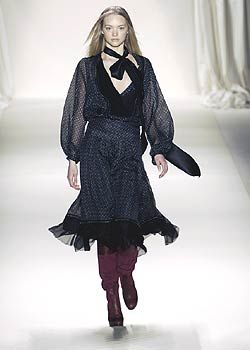 Chloe Fall 2005 Ready-to-Wear Collections 0001