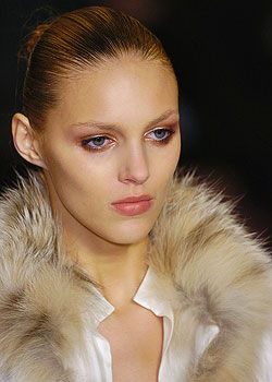 Loewe Fall 2005 Ready-to-Wear Detail 0001
