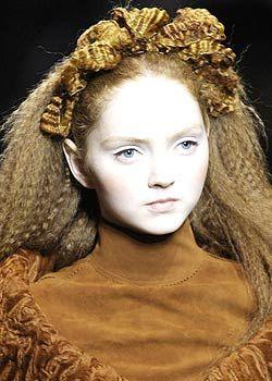 Jean Paul Gaultier Fall 2005 Haute Couture Detail 0001
