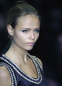 Paco Rabanne Fall 2005 Ready-to-Wear Detail 0001