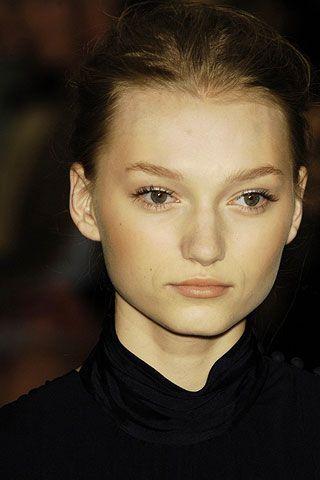 Hair, Face, Head, Nose, Mouth, Lip, Cheek, Hairstyle, Eye, Chin,