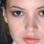 Nina Ricci Fall 2005 Ready-to-Wear Backstage 0001
