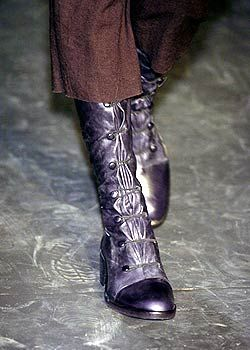 Ann Demeulemeester Fall 2005 Ready-to-Wear Detail 0001