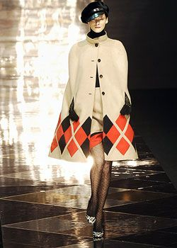 Valentino Fall 2005 Ready-to-Wear Collections 0001