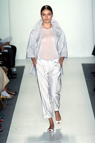Footwear, Sleeve, Shoulder, Textile, Joint, White, Style, Fashion, Neck, Fashion show,