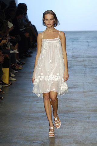 Brown, Shoulder, Joint, Dress, White, Style, Summer, One-piece garment, Fashion show, Fashion,