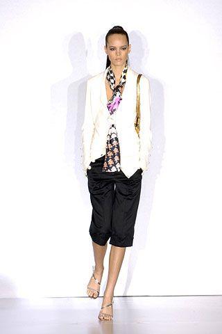 Clothing, Shoulder, Fashion show, Outerwear, Jewellery, Style, Street fashion, Fashion model, Runway, Waist,