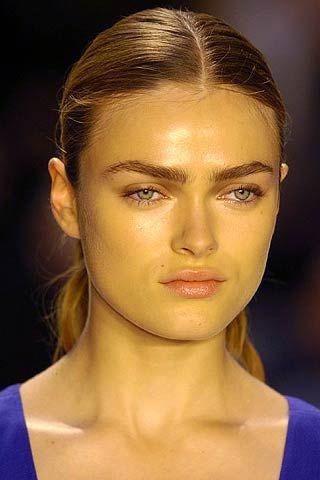 Hair, Head, Nose, Lip, Mouth, Cheek, Hairstyle, Skin, Chin, Forehead,