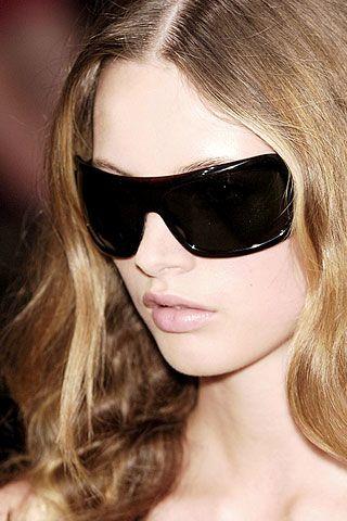Eyewear, Vision care, Glasses, Lip, Hairstyle, Chin, Sunglasses, Eyebrow, Style, Beauty,