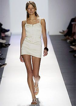 Tommy Hilfiger Spring 2003 Ready-to-Wear Collection 0001