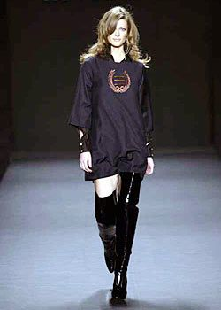 Alice Roi Fall 2003 Ready-to-Wear Collections 0001