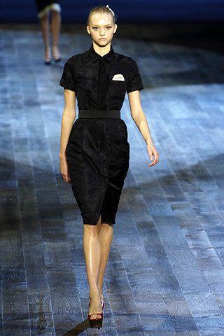 Human, Leg, Human body, Human leg, Shoulder, Fashion show, Dress, Joint, Fashion model, Style,