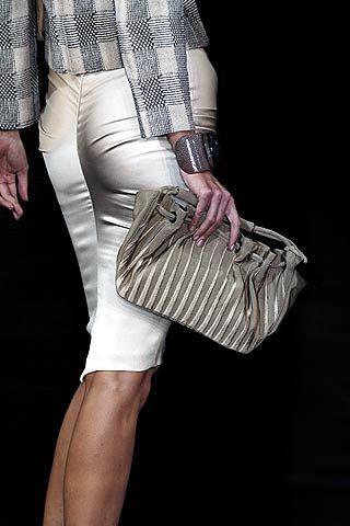 Giorgio Armani Fall 2006 Ready-to-Wear Detail 0001