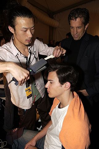 Kenneth Cole Fall 2006 Ready-to-Wear Backstage 0001