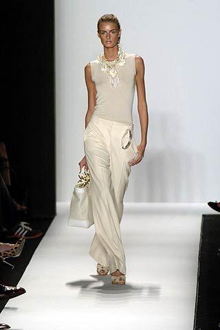 Human body, Shoulder, Joint, Formal wear, Style, Fashion model, Fashion, Jewellery, Neck, Model,