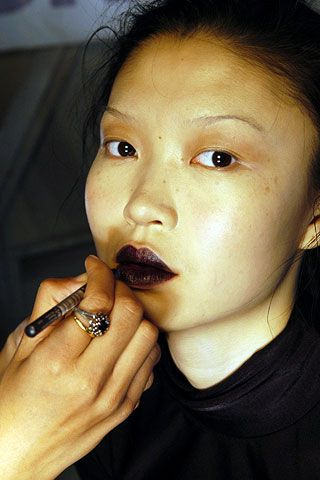 Alice Roi Fall 2006 Ready-to-Wear Backstage 0001