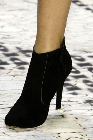 Carlos Miele Fall 2006 Ready-to-Wear Detail 0001
