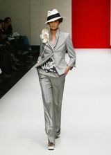 Gianfranco Ferre Spring 2003 Ready-to-Wear Collection 0003