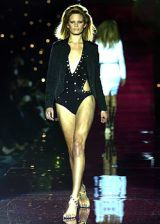 Julien Macdonald Spring 2003 Ready-to-Wear Collection 0003