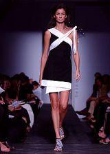 Diane von Furstenberg Spring 2003 Ready-to-Wear Collection 0002