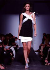 Diane von Furstenberg Spring 2003 Ready-to-Wear Collection 0002