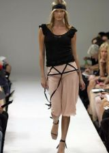 Nicole Miller Spring 2003 Ready-to-Wear Collection 0002