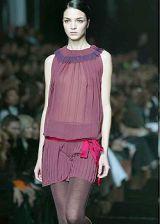 Alberta Ferretti Fall 2003 Ready-to-Wear Detail 0002