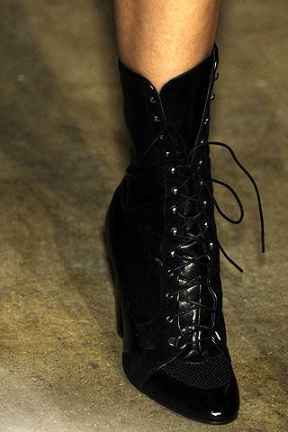Behnaz Sarafpour Fall 2006 Ready-to-Wear Detail 0003