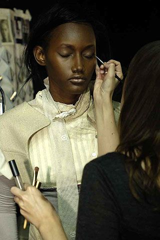 Bora Aksu Fall 2006 Ready-to-Wear Backstage 0002
