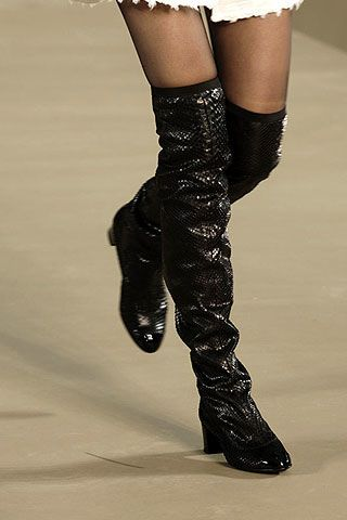 Chanel Fall 2006 Ready-to-Wear Detail 0002