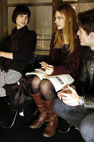 Burberry Prorsum Fall 2006 Ready-to-Wear Backstage 0003