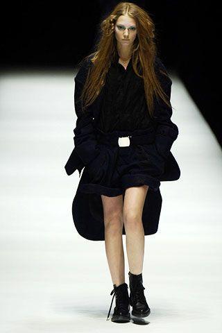 Yohji Yamamoto Fall 2006 Ready-to-Wear Collections 0002