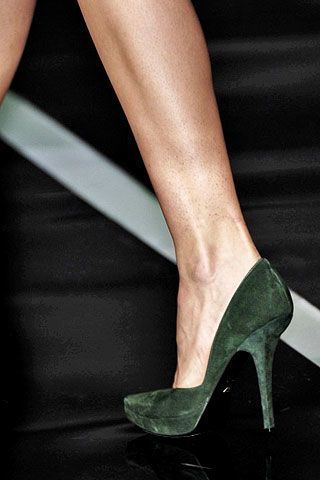 Emporio Armani Fall 2006 Ready-to-Wear Detail 0002