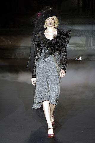 Mariella Burani Fall 2006 Ready-to-Wear Collections 0003