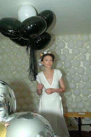 On Aura Tout Vu Fall 2006 Haute Couture Backstage 0002