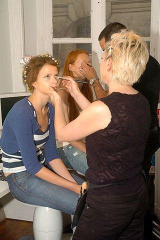 On Aura Tout Vu Fall 2006 Haute Couture Backstage 0003