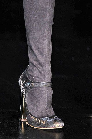 Just Cavalli Fall 2006 Ready-to-Wear Detail 0002