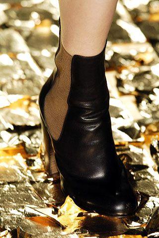 Dries Van Noten Fall 2006 Ready-to-Wear Detail 0002