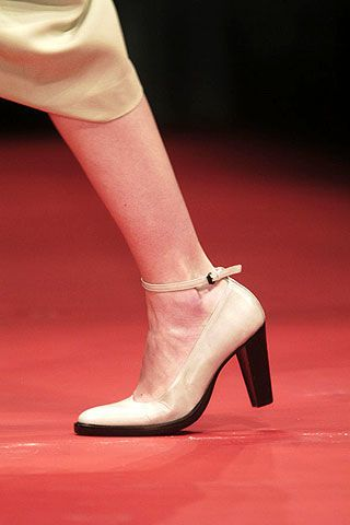 A.F. Vandevorst Fall 2006 Ready-to-Wear Detail 0003