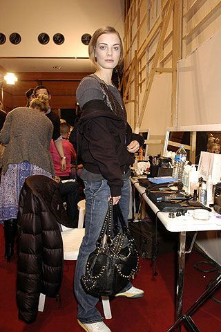 Andrew Gn Fall 2006 Ready-to-Wear Backstage 0002