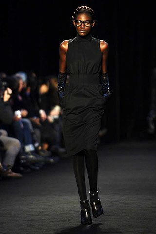 Givenchy Fall 2006 Ready-to-Wear Collections 0002