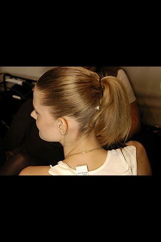 Hussein Chalayan Fall 2006 Ready-to-Wear Backstage 0003
