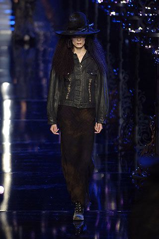 John Galliano Fall 2006 Ready-to-Wear Collections 0003