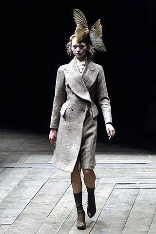 Alexander McQueen Fall 2006 Ready-to-Wear Collections 0002