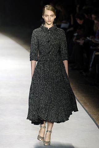 Giambattista Valli Fall 2006 Ready-to-Wear Collections 0002