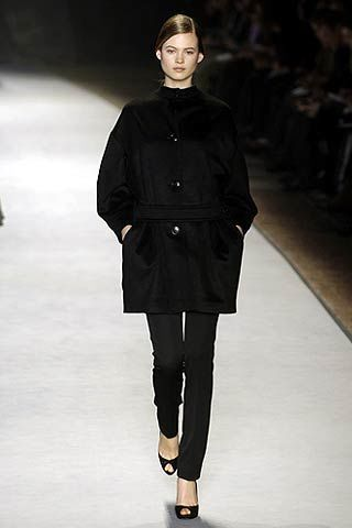 Giambattista Valli Fall 2006 Ready-to-Wear Collections 0003