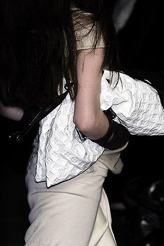 Louis Vuitton Fall 2006 Ready-to-Wear Detail 0003